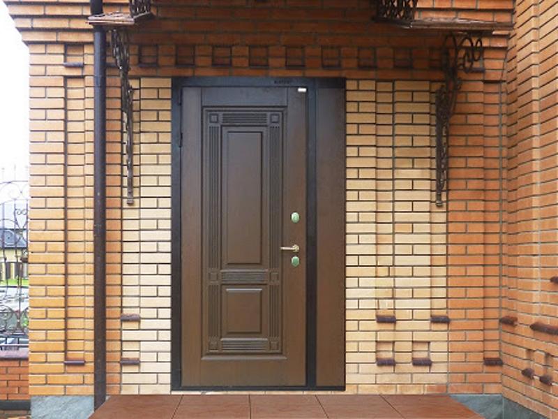 выбирать входную дверь в частный дом или квартиру