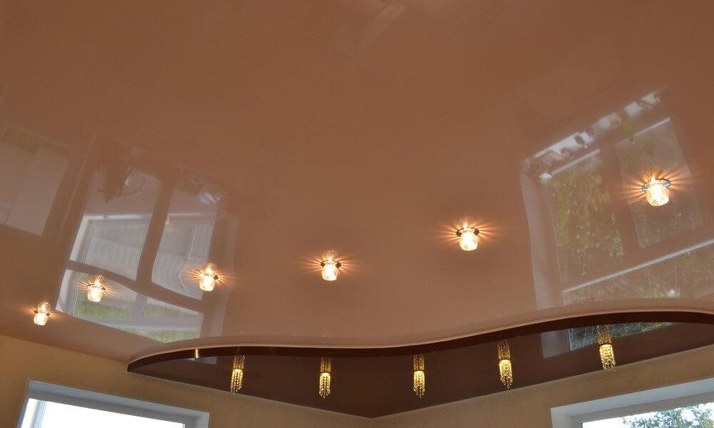 Особенности натяжных потолков