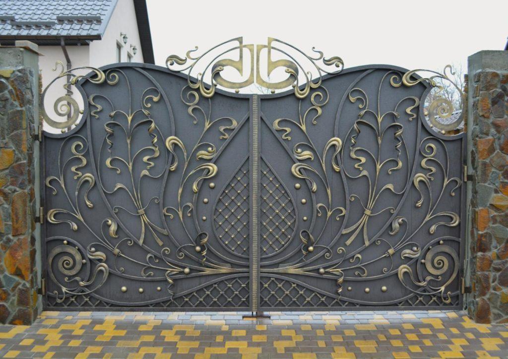 металлические ворота с элементами художественный ковки