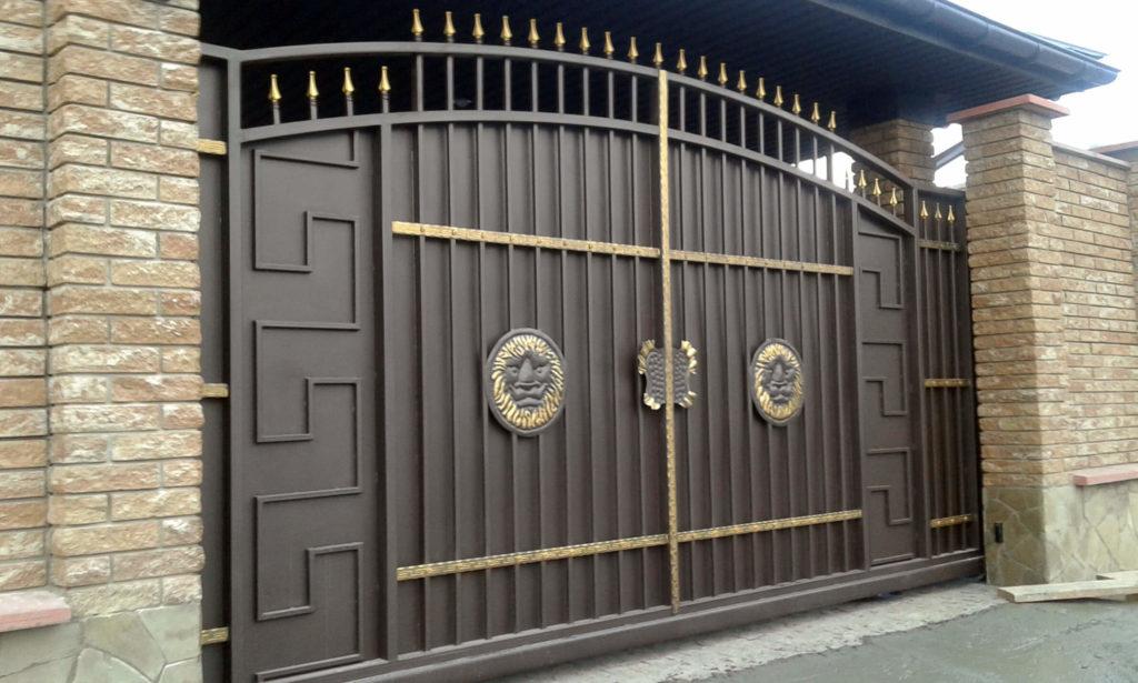 откатные и распашные кованые ворота